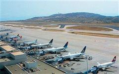 Πλήρης καθήλωση των αεροπορικών εταιρειών